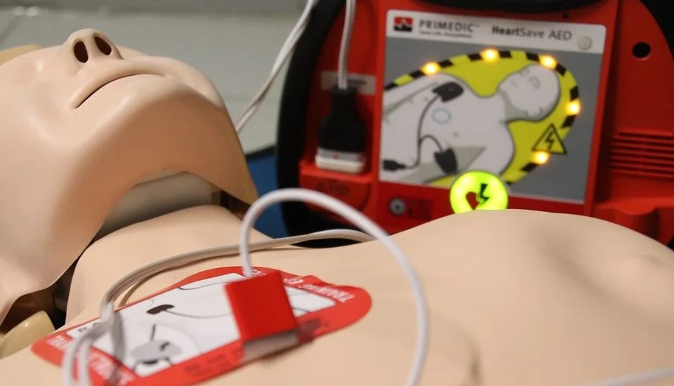 defibrillateur-normes
